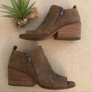 Lucky Brand Sinzeria Leather Booties sz 7.5
